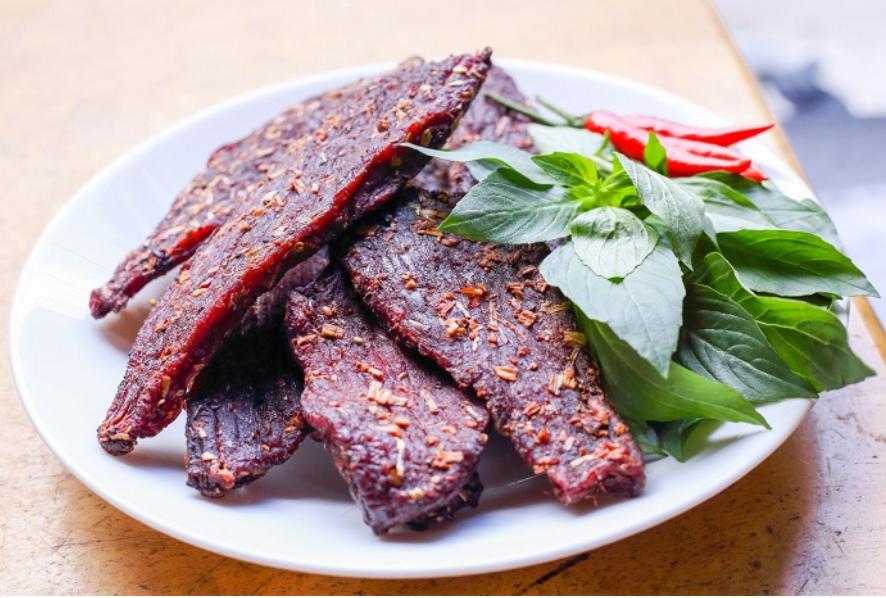 Đặc sản thịt bò gác bếp